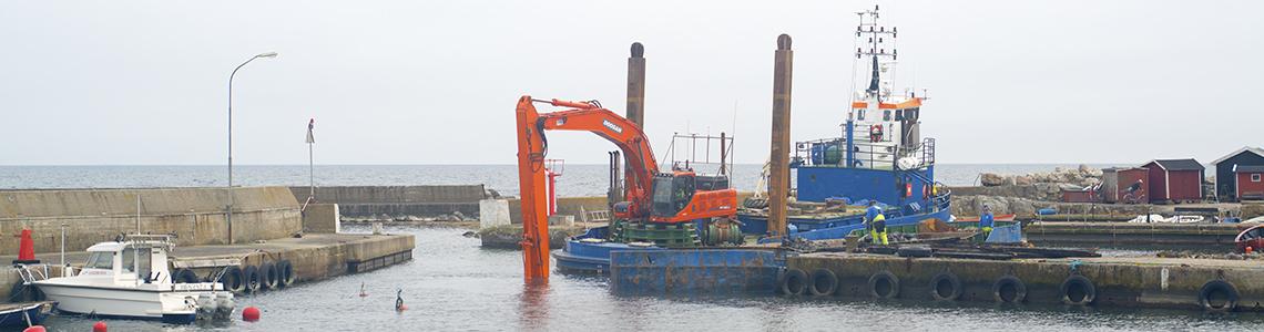 Nu pågår reparationsarbetet i vår hamn för fullt.